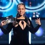 Alicia Keys' Makeup Free Look at Grammys 2018 Steals the Hearts